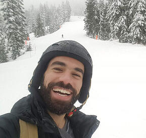 Nadim-Skiing