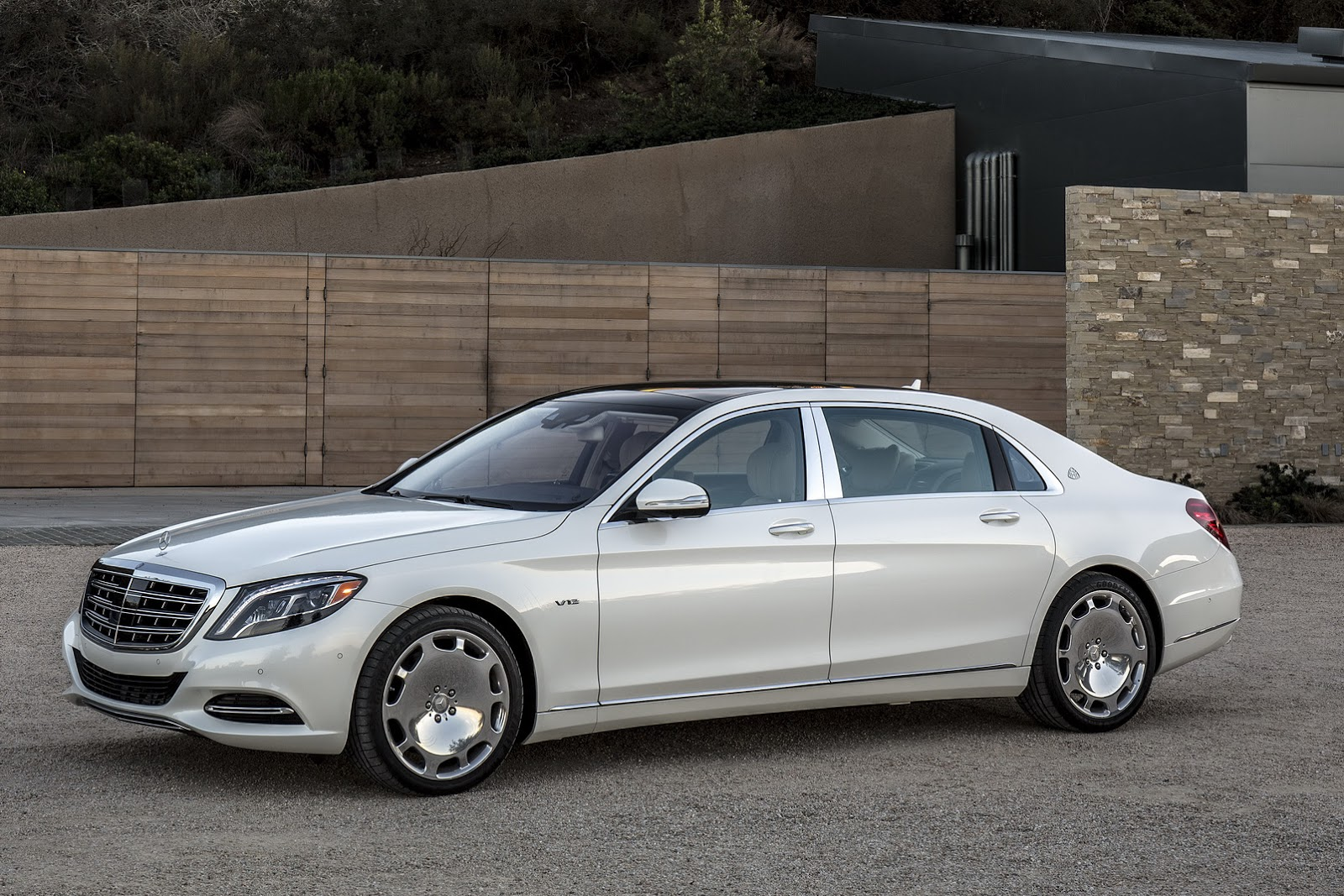 user-experience-design-Mercedes-Maybach-S600-1.jpg